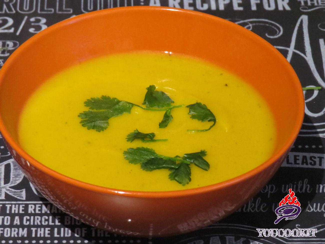 Zuppa vellutata di carote e coriandolo