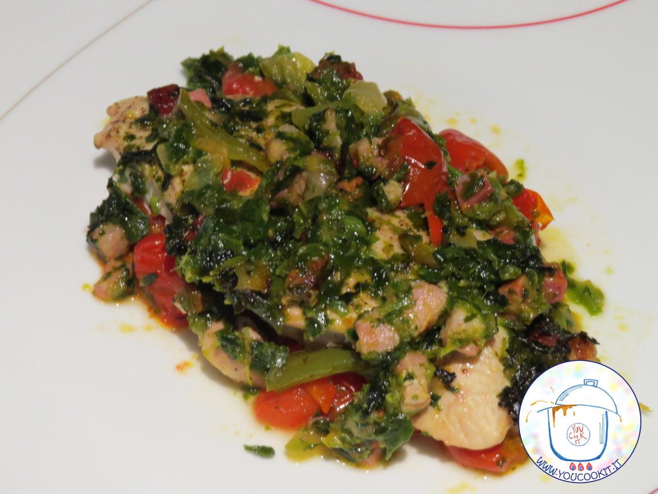 Pollo con spinaci e peperoni